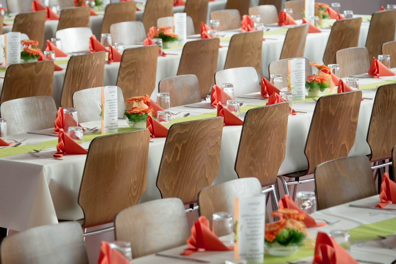table arrangement at an event